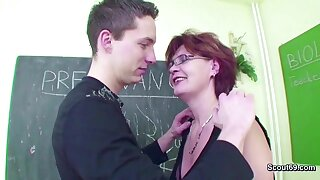 Female MILF Teacher Shows Him how to realize Pregnant