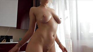 Amateur webcam horny blonde milf closeup fisting - Milf