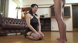 Nipponese naughty MILF unreasonable sex shore up steady