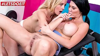 KINKY INLAWS - #Sicilia Model #Jasmine Jae - MILF Mom Fruity Sex With Stepdaughter After Failed Attempt From Their way Husband