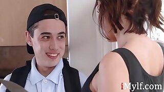 Watch hot MILF seduce y.- Ivy Lebelle