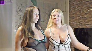 Pregnant skirt swallows piss for the first time