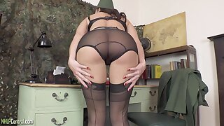 Kinky MILF Cleo Summers Hot Pussy Fretting